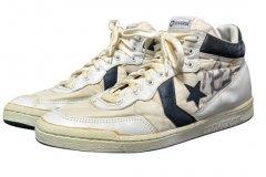 乔丹1984年战靴将拍卖起价5千:MJ曾穿它奥